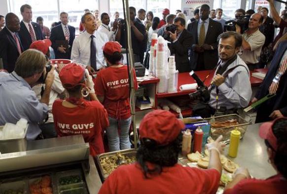 अमेरिकेचे अध्यक्ष बराक ओबामा सध्या सुट्टीवर. ओहीओमध्ये एका हॉस्टेलमध्ये..