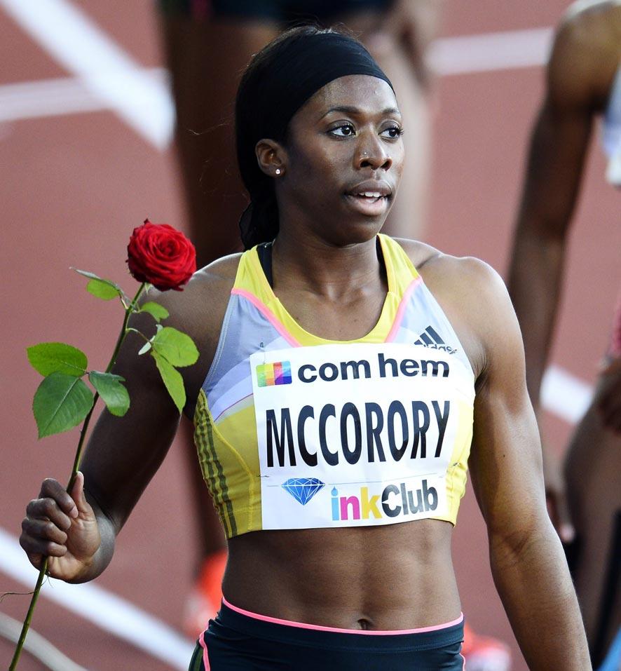 यूएसए ऑलिम्पिक स्टेडियमवर विजेती झालेली फ्रान्सेना कोरोरी
