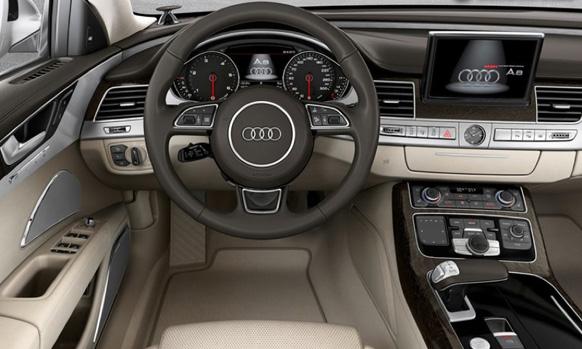 पहिल्या कारपेक्षा या कारची रचना पुर्णपणे  वेगळी आहे