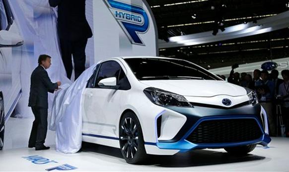 टोयोटाची नवीन Toyota Yaris Hybrid R concept car