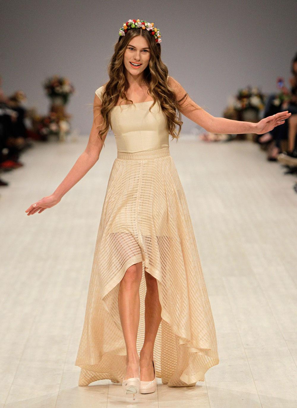 युक्रेन फॅशन वीक दरम्यान... एक मॉडेल