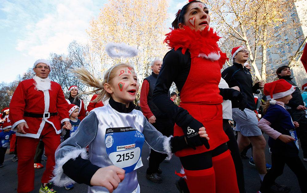 'ख्रिसस कॉरिडा रेस'मध्ये सांताच्या ड्रेसमध्ये धाव...
