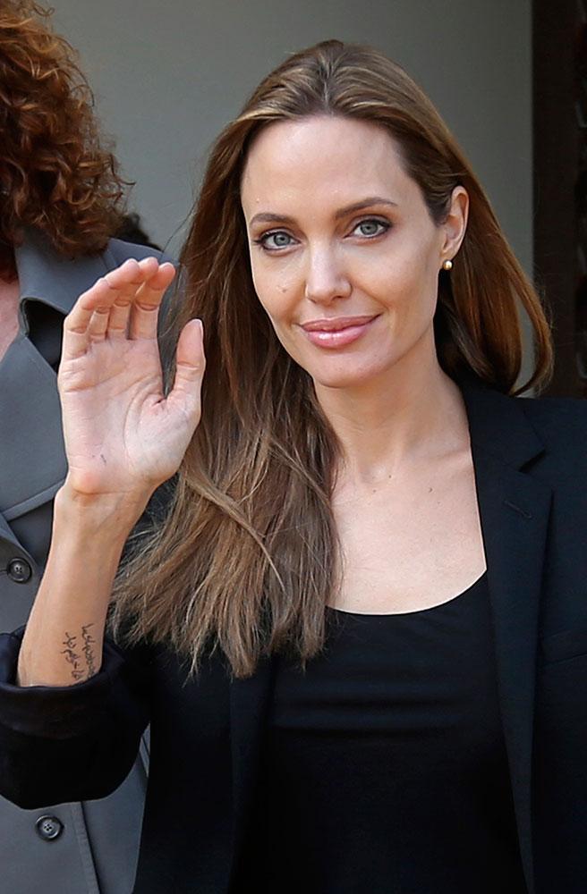 लेबनानमधील बेरूत येथे एका सरकारी कार्यक्रमात आलेली अभिनेत्री एंजेलिना जोली