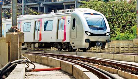 विर्सोवा- घाटकोपर धावली मुंबईतली पहिली मेट्रो...