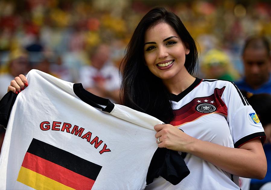 जर्मनी टीमची चाहती