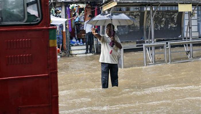 मुंबईत जोरदार पाऊस, इमारत कोसळून एक ठार