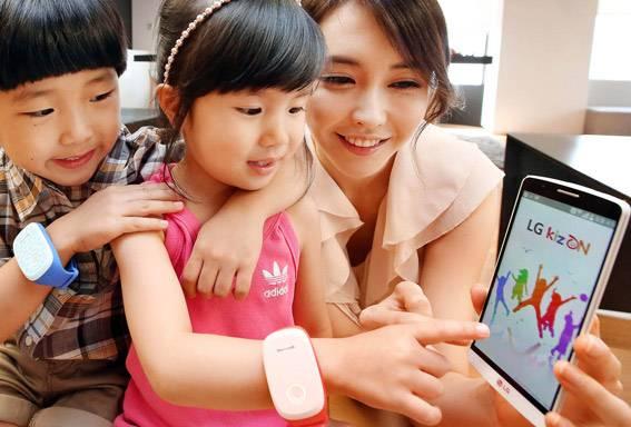 किजऑनला 64 एमबी रॅम आहे, 125 एमबी स्टोरेज आहे, 400 mAh ची बॅटरी आहे, ती 36 तास चालू शकते, साऊथ कोरियात किजऑनची विक्री सुरू झाली आहे. मात्र अमेरिका आणि युरोपनंतर तो आशियाच्या बाजारात येणार आहे.