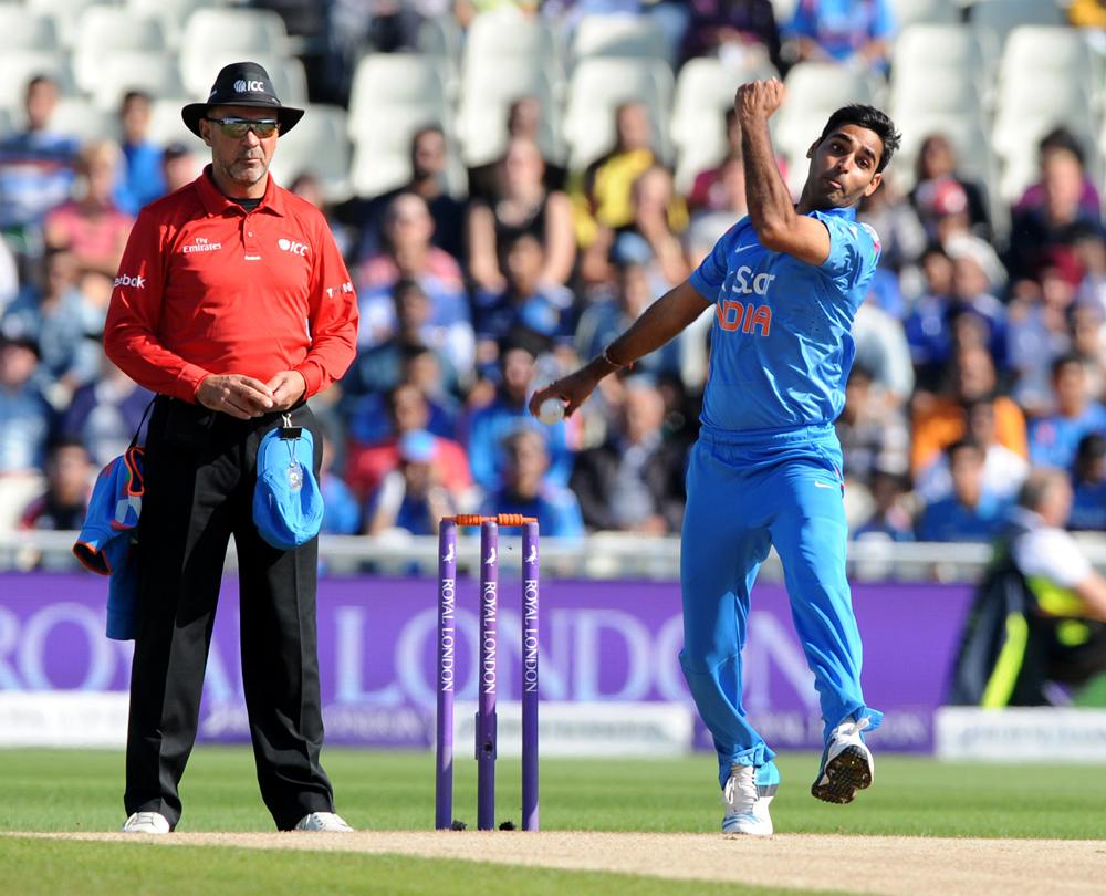 भारताने टॉस जिंकून पहिला गोलंदाजीचा निर्णय घेतला