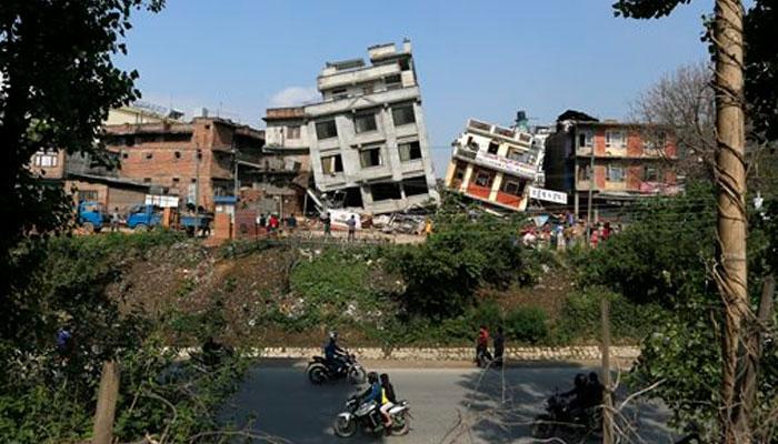 LIVE UPDATE : नेपाळ भूकंपातील मृतांचा आकडा ३७२५ वर