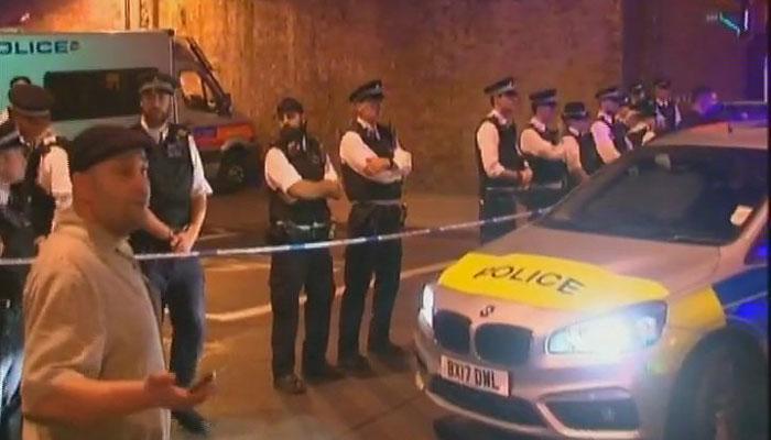 लंडनमध्ये भरधाव गाडीने पादचाऱ्यांना चिरडले, तीन जखमी