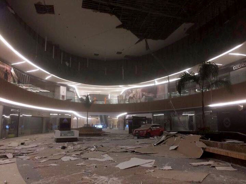 Debris and damages in a mall after an earthquake jolted Tuxtla Gutierrez, Chiapas state, Mexico
