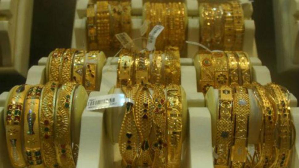 सोनं-चांदीच्या दरात घसरण