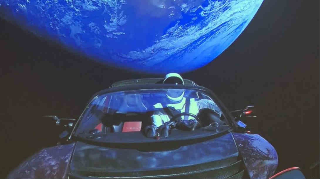 रॉकेटसोबत मंगळावर पाठवलेली कार भरकटली रस्ता