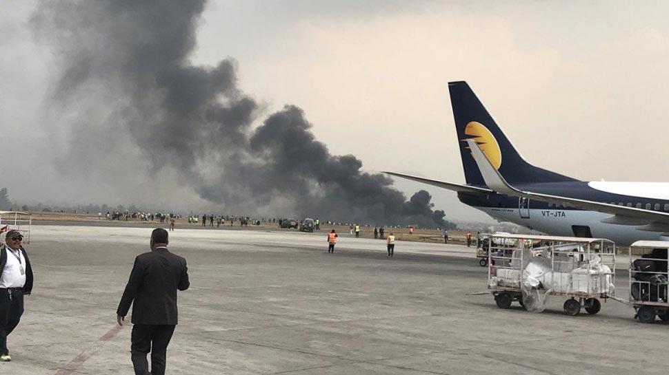 बांगलादेशच्या प्रवासी विमानाला अपघात