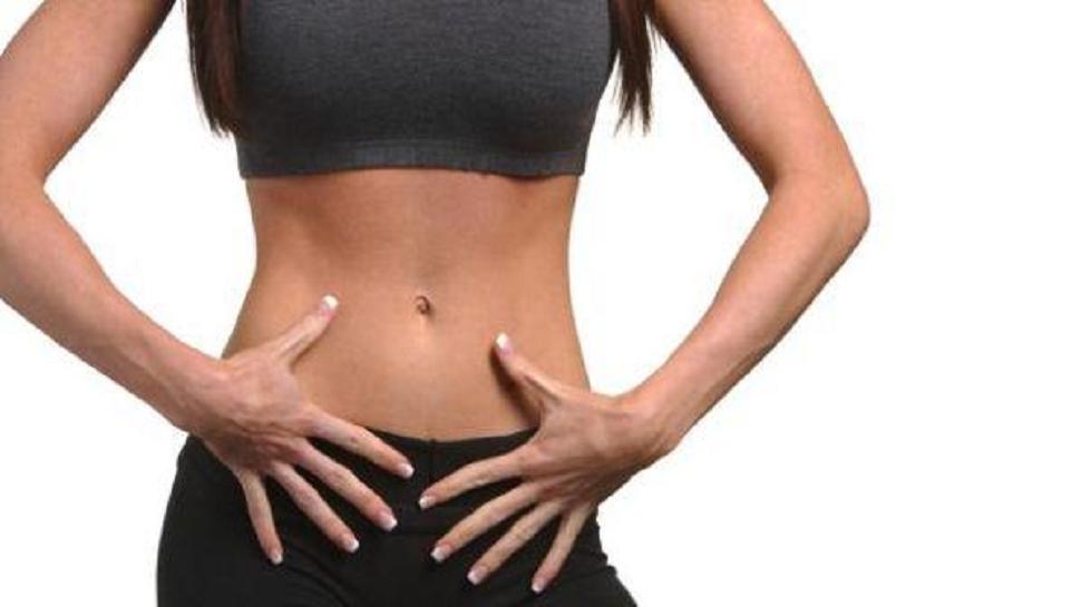 पोटाजवळील चरबी कमी करण्यासाठी आहारात हे ६ सोपे बदल करा!