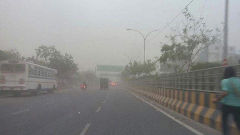 राजस्थानात धुळीचे वादळ, दिल्लीचे आभाळ धुळीने व्यापले