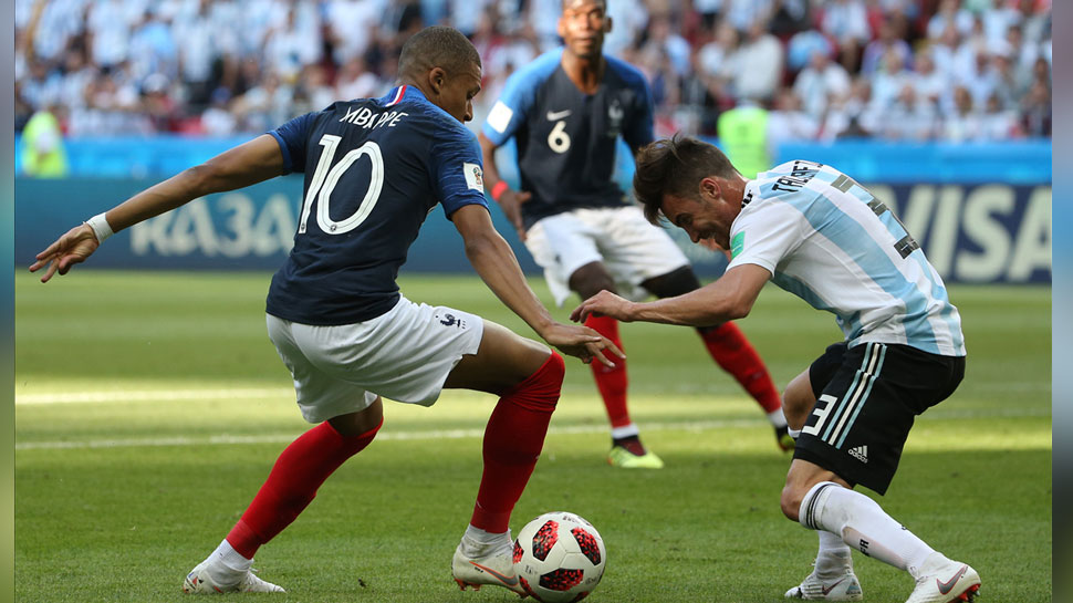 France beat Argentina first time