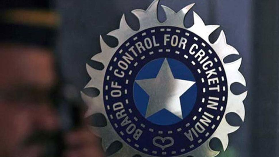 भारतीय टीमच्या प्रशिक्षकपदासाठी २० खेळाडूंचे अर्ज