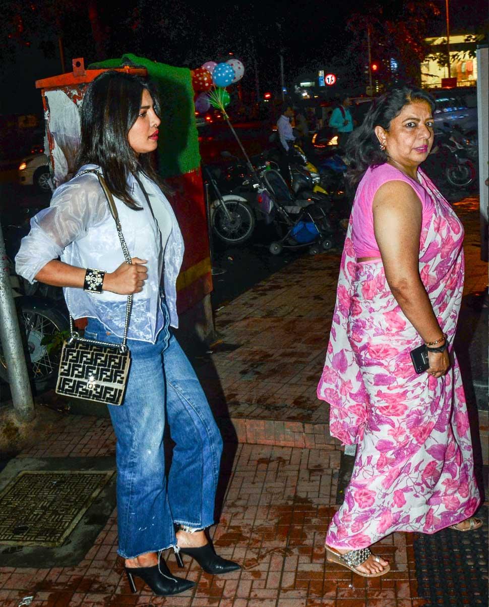 प्रियांका आणि मधु चोप्रा