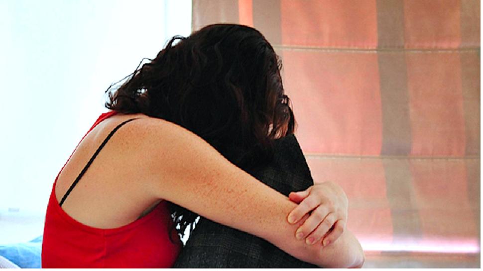 कॅनडा ट्रीपसाठी महिलेवर बलात्कार, व्हिडिओ व्हायरल करण्याची धमकी