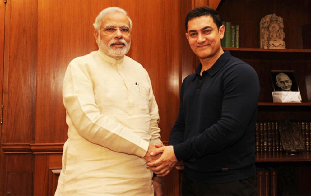 पंतप्रधान नरेंद्र मोदींना भेटायला पोहोचला बॉलिवूड अभिनेता आमिर खान