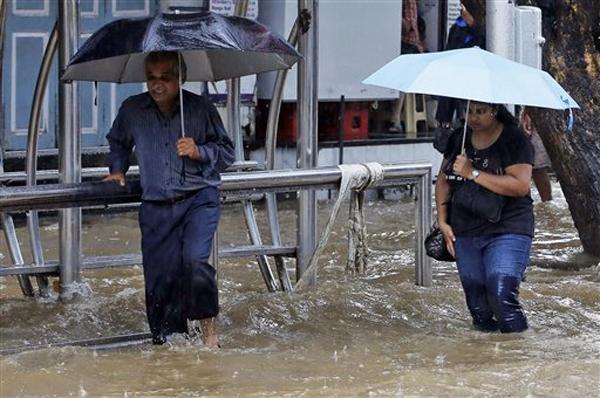 पावसाने मुंबई जलमय