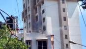 मुंबईतील उच्च भ्रू वस्तीतील ला मेर इमारतीला आग