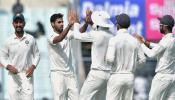 INDvsSL: तिसऱ्या दिवसअखेरीस श्रीलंकेचा स्कोर १६५ रन्सवर ४ विकेट्स