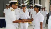 भारतीय नौसेनेची पहिली महिला पायलट शुभांगी स्वरूप बद्दल जाणून घ्या या ५ खास गोष्टी