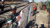 एल्फिन्स्टन दुर्घटना : लष्कराने घेतला ताबा, पादचारी पुलाचे काम सुरु
