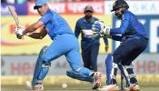 श्रीलंकेविरूद्ध भारत  हरला पण महेंद्रसिंग धोनी पुन्हा हिरो ठरला ...