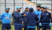 भारताविरुद्धच्या सामन्यात श्रीलंकेचा बॉलिंगचा निर्णय