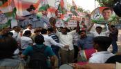 मुंबईत कॉंग्रेस नेते-कार्यकर्त्यांचा जल्लोष