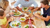 केवळ रात्रीच्या वेळेस भरपेट जेवणं योग्य आहे का ?