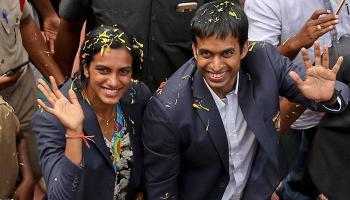 रिओ मेडलिस्ट पी व्ही सिंधूचे हैदराबादमध्ये जंगी स्वागत