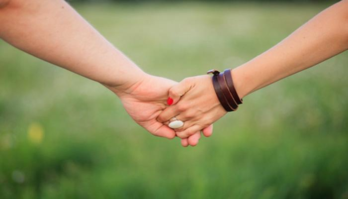 ५ कारणांमुळे महिला ठेवतात अनैतिक संबंध
