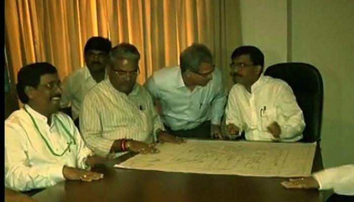 शिवसेना खासदारांचं महाराष्ट्र सदनात आंदोलन