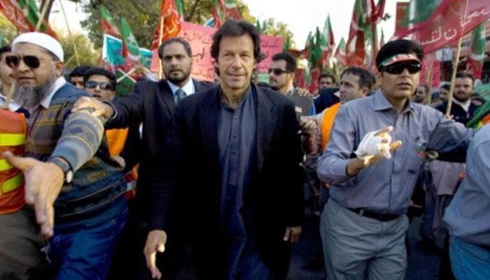 पाकिस्तान क्रिकेट टीमचा माजी कॅप्टन इमरान खानवर हल्ला