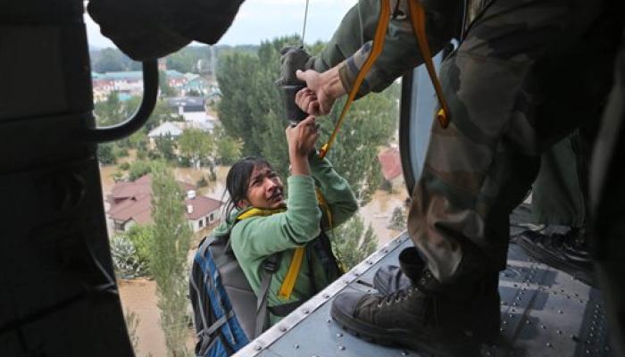 काश्मीर खोऱ्यात २१ हजार सैनिकांची प्राणाची बाजी