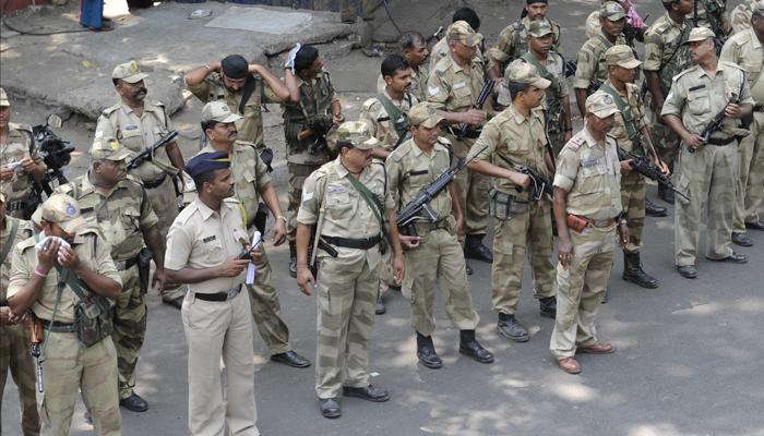 मुंबई पोलिसांची झोपच उडालेय...