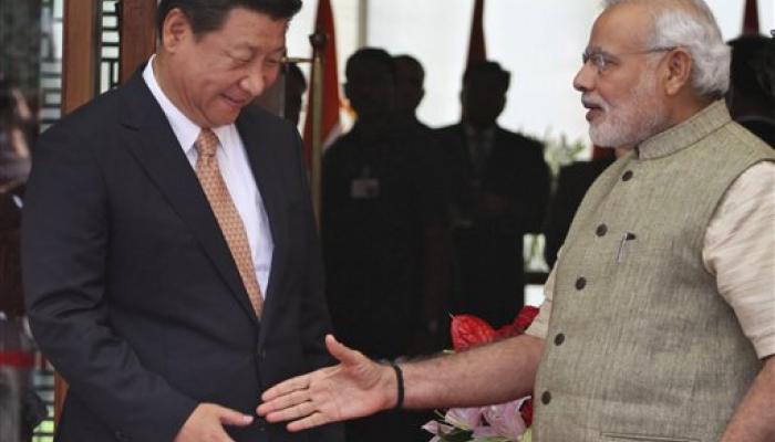 चीन राष्ट्रपती जिनपिंग यांचे स्वागत, दुसरीकडे निषेध