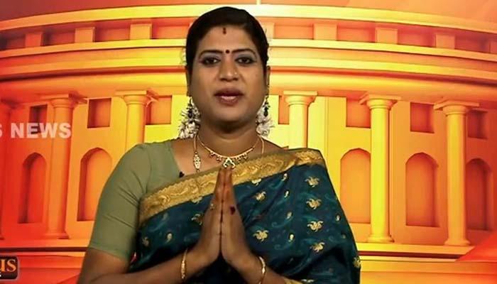 Padmini Prakash Bencong Pertama Jadi Pembaca Berita TV