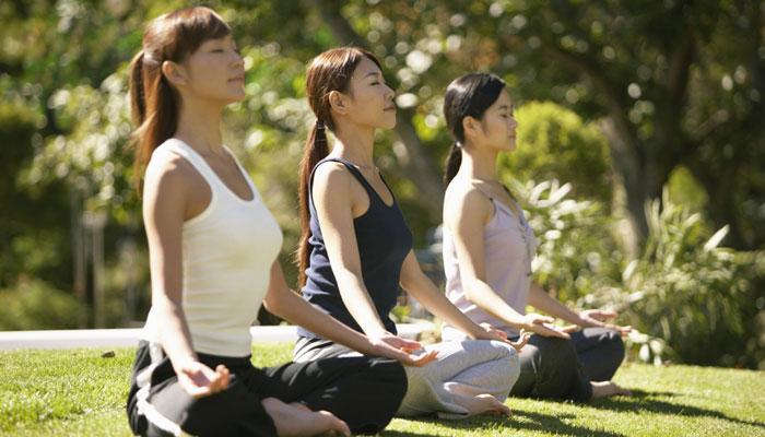 योगासनांनी दूर ठेवा हृदयविकाराचा धोका!
