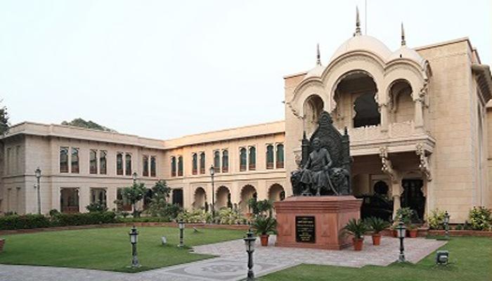 महाराष्ट्र सदनचे निवासी आयुक्त बिपीन मलिक यांची बदली