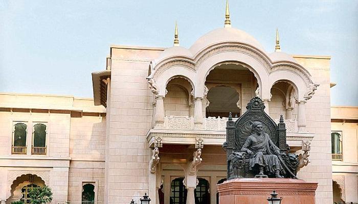 दिल्लीच्या महाराष्ट्र सदनातल्या झेंडावंदनालाही वादाचं गालबोट