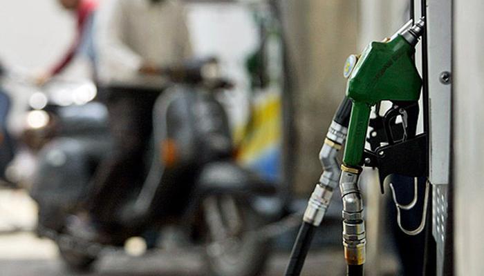 'पेट्रोल-डिझेल आणखी स्वस्त आहे' - दिग्विजय