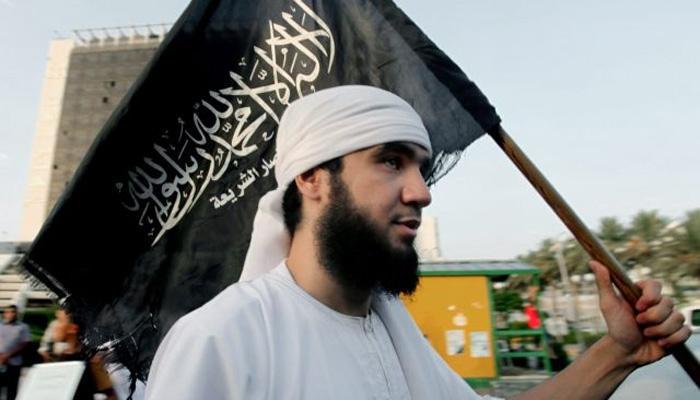 सावधान: ISISमध्ये सामील व्हायला गेलेली तरुणी परतली