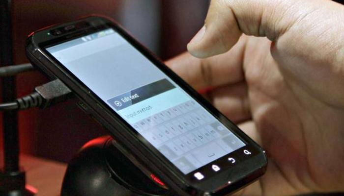 गुड न्यूज: मोबाईल फोनच्या इंटरनेटच्या दरांमध्ये आणखी घट