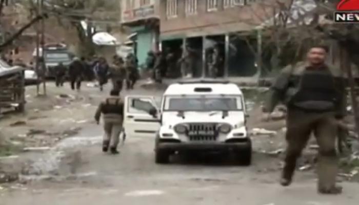 बारामुल्लामध्ये अतिरेक्यांसोबत चकमकीत २ जवान शहीद