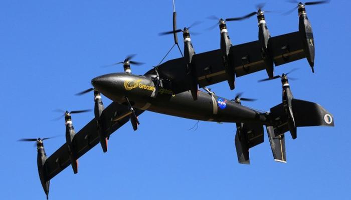जगातील पहिल्या 10 इंजिन विमानाचं यशस्वी परिक्षण!